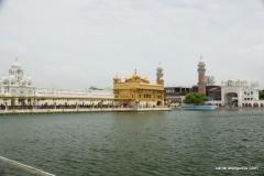 Amritsar - El Templo de Oro - Vista Lateral