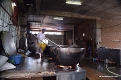 Amritsar - Templo de Oro - La cocina para el Langar (1)