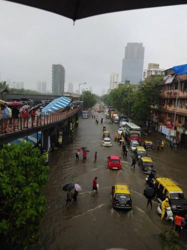 Lluvias en Mumbai, India 2015
