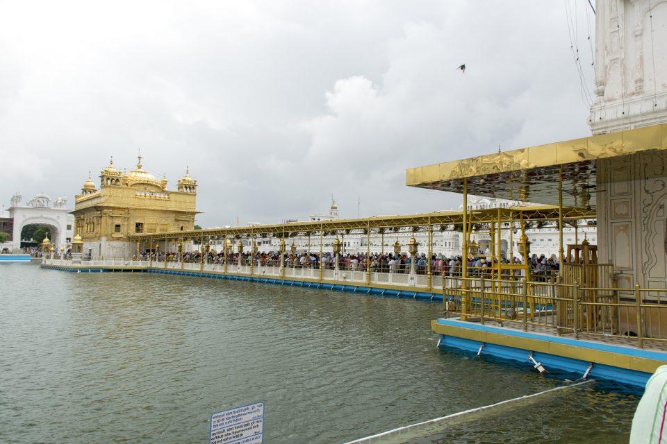 la cola templo de oro amritsar