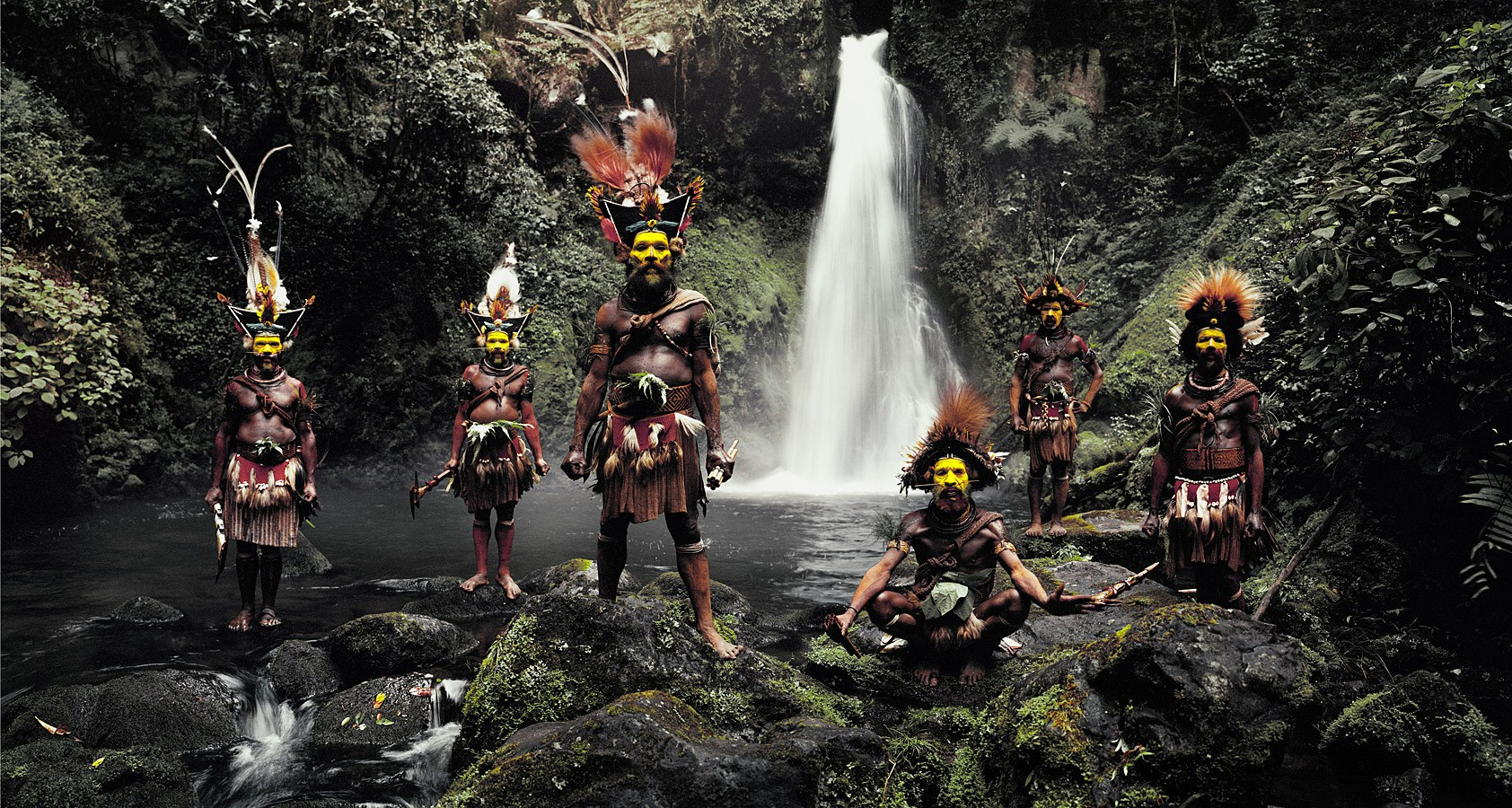 Before they Pass Away - Tribu Huli